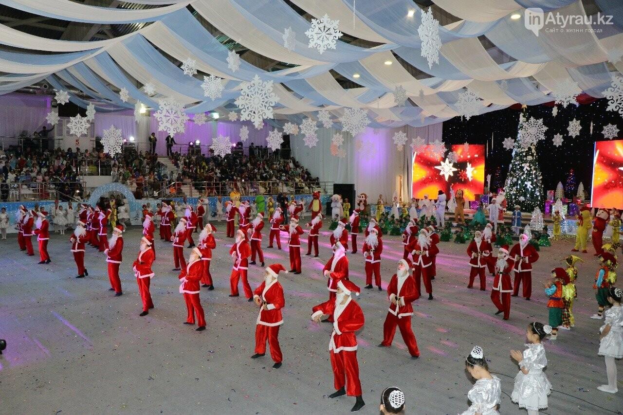 850 детей приняли участие в Президентской елке в Атырау, фото-1
