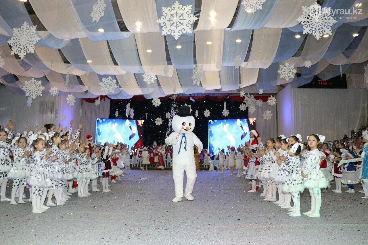 850 детей приняли участие в Президентской елке в Атырау, фото-3