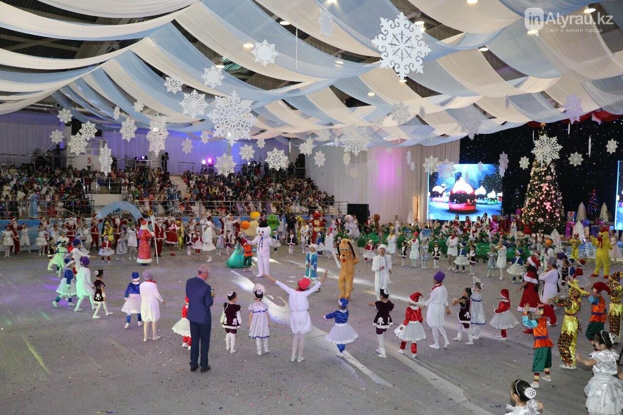 850 детей приняли участие в Президентской елке в Атырау, фото-4