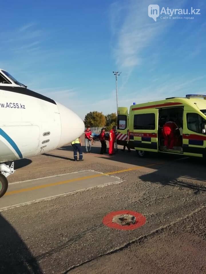 Работники санитарной авиации помогли жителю Атырау (фото), фото-3