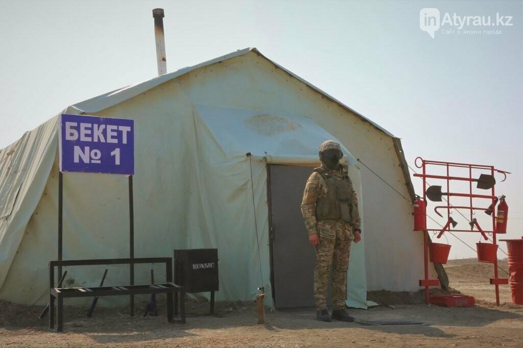 В Атырау военные укрепляют блокпосты, фото-2