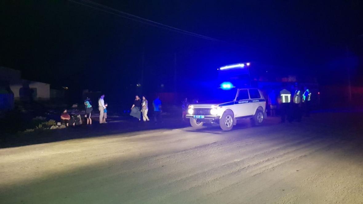 Пассажиры автобуса Атырау - Астрахань застряли в пути среди ночи , фото-3
