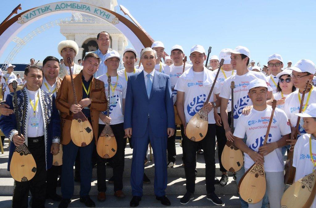 Токаев поддержал инициативу проведения уроков домбры в школах (ФОТО), фото-3