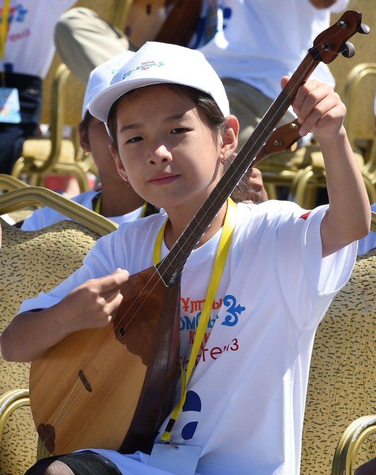 Токаев поддержал инициативу проведения уроков домбры в школах (ФОТО), фото-10