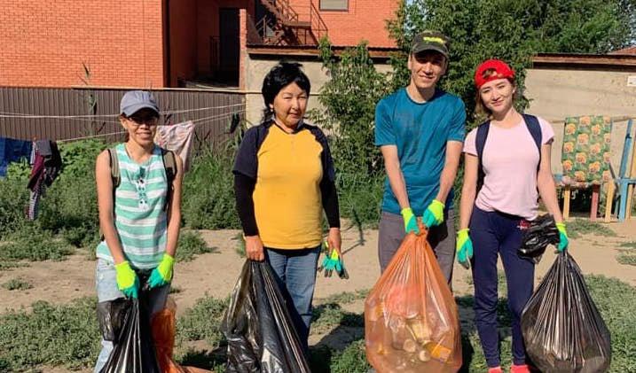 Атыраусцы поддержали марафон «Час чистоты», фото-1