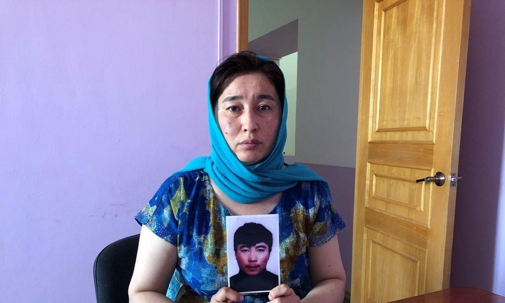Жительница Атырау уже 4 года ищет младшего брата, фото-1