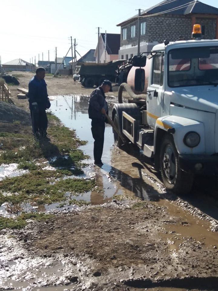 В Атырауской области несколько раз прорвало водопровод (фото), фото-3