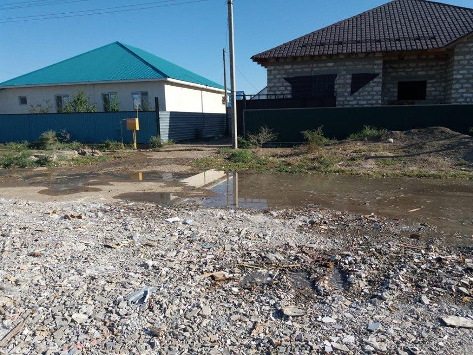 В Атырауской области несколько раз прорвало водопровод (фото), фото-1