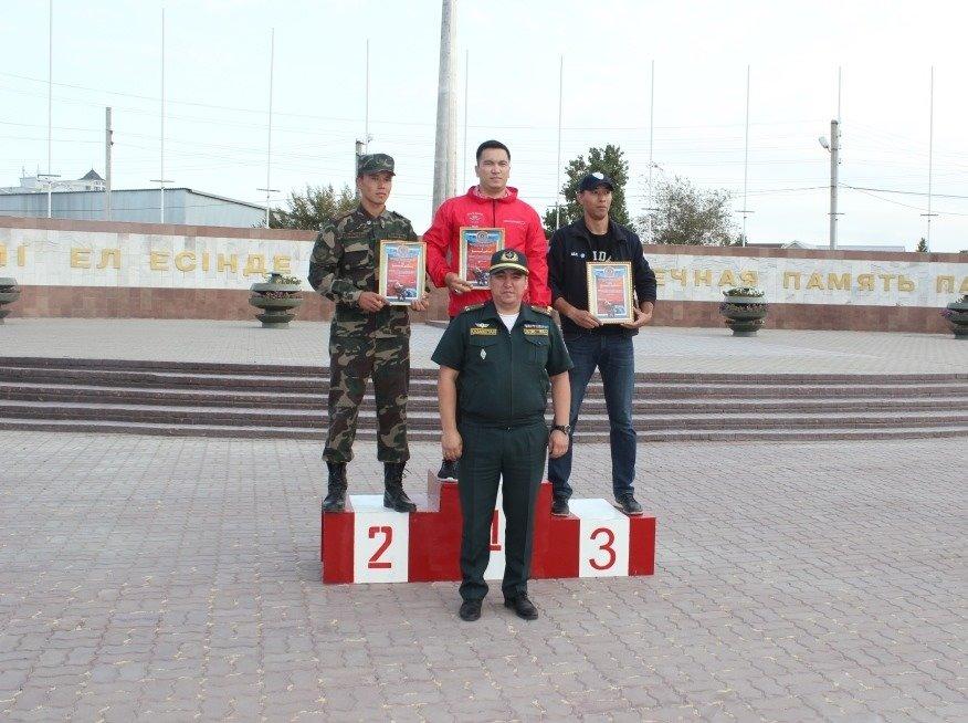 Пожарные устроили соревнование по кроссфиту в Атырау (фото), фото-12