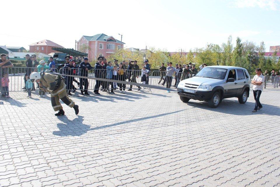 Пожарные устроили соревнование по кроссфиту в Атырау (фото), фото-4
