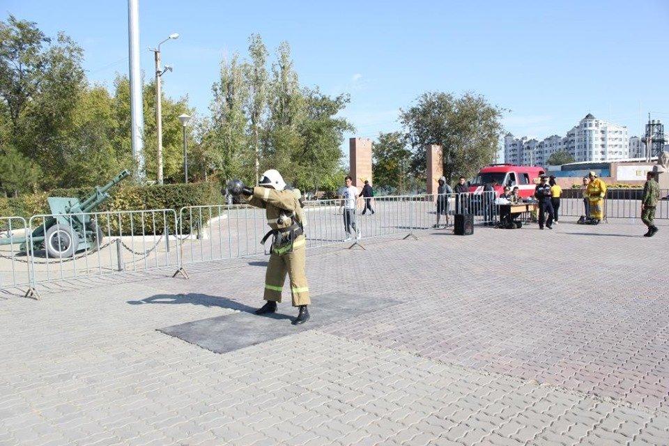 Пожарные устроили соревнование по кроссфиту в Атырау (фото), фото-8