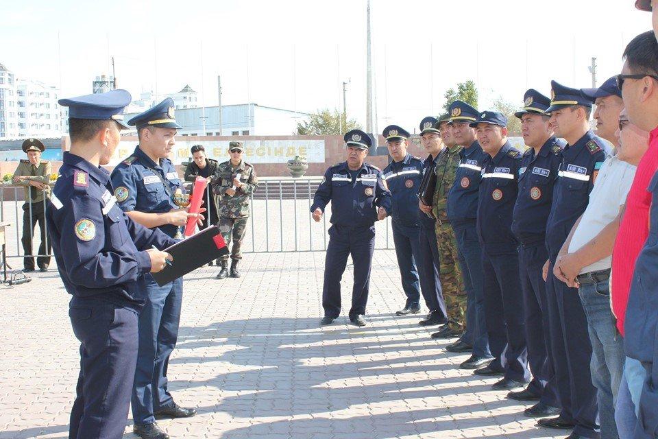 Пожарные устроили соревнование по кроссфиту в Атырау (фото), фото-1