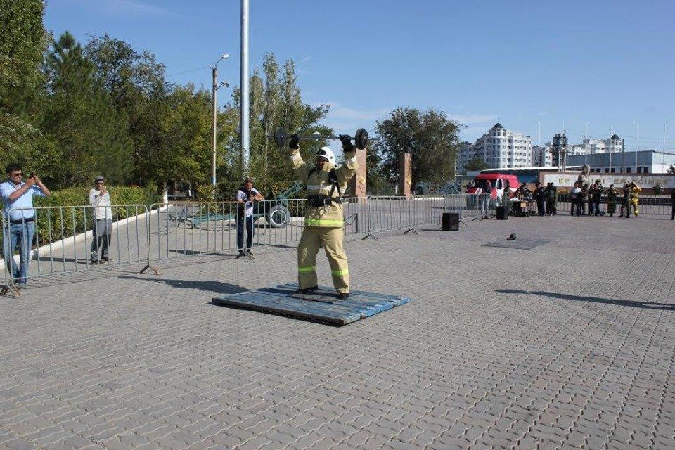Пожарные устроили соревнование по кроссфиту в Атырау (фото), фото-6