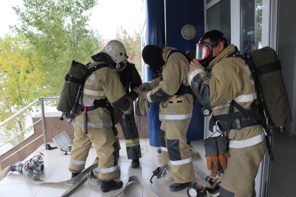 Университет «загорелся» в Атырау (фото), фото-1