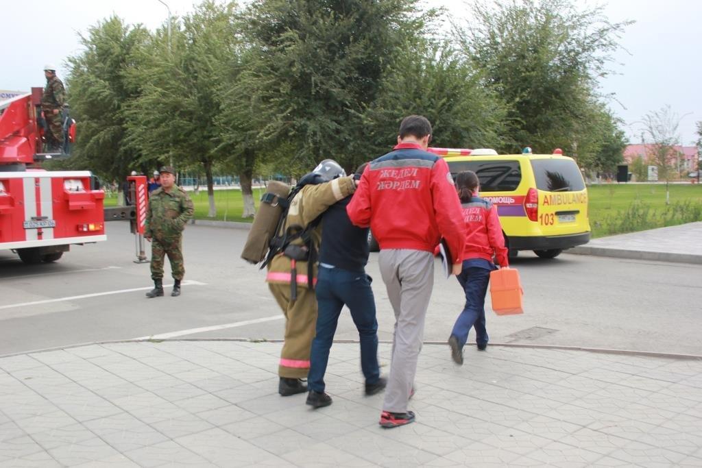 Университет «загорелся» в Атырау (фото), фото-8