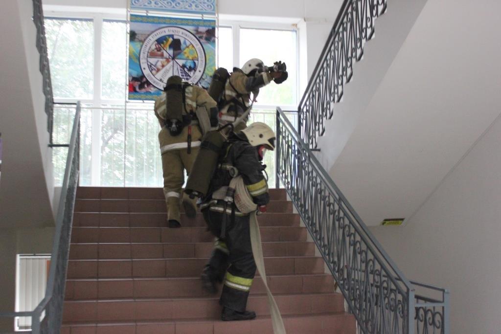 Университет «загорелся» в Атырау (фото), фото-3