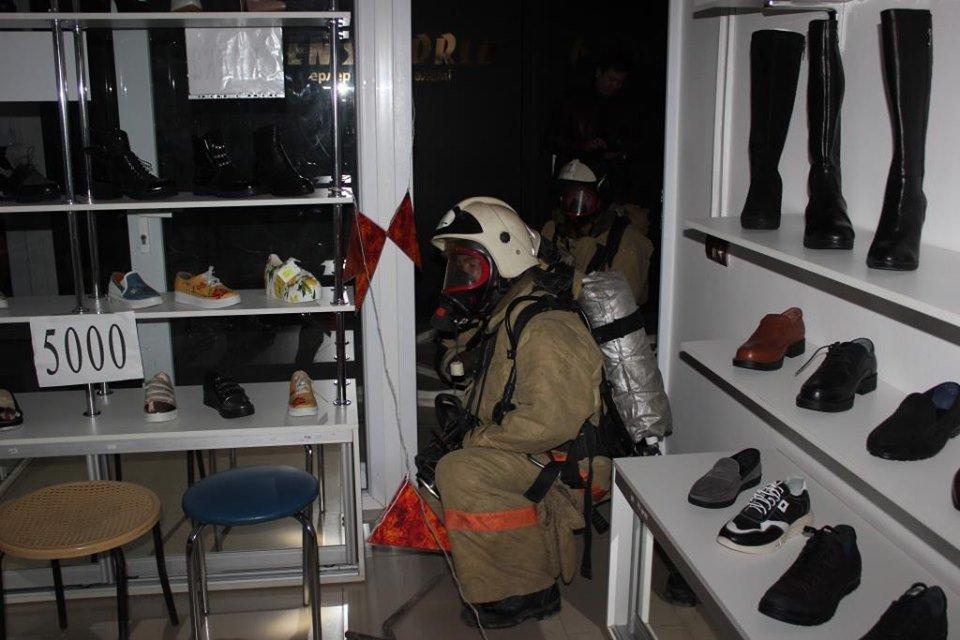 Пожарные Атырау провели учения в торговом центре (фото), фото-7