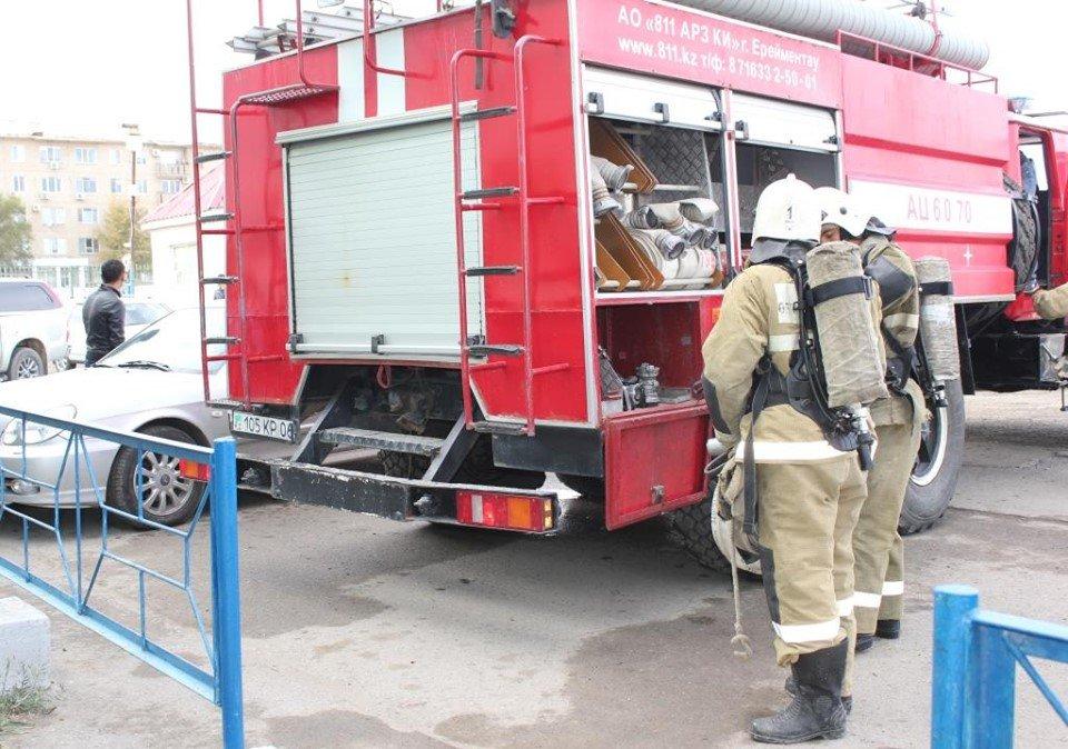 Пожарные Атырау провели учения в торговом центре (фото), фото-3