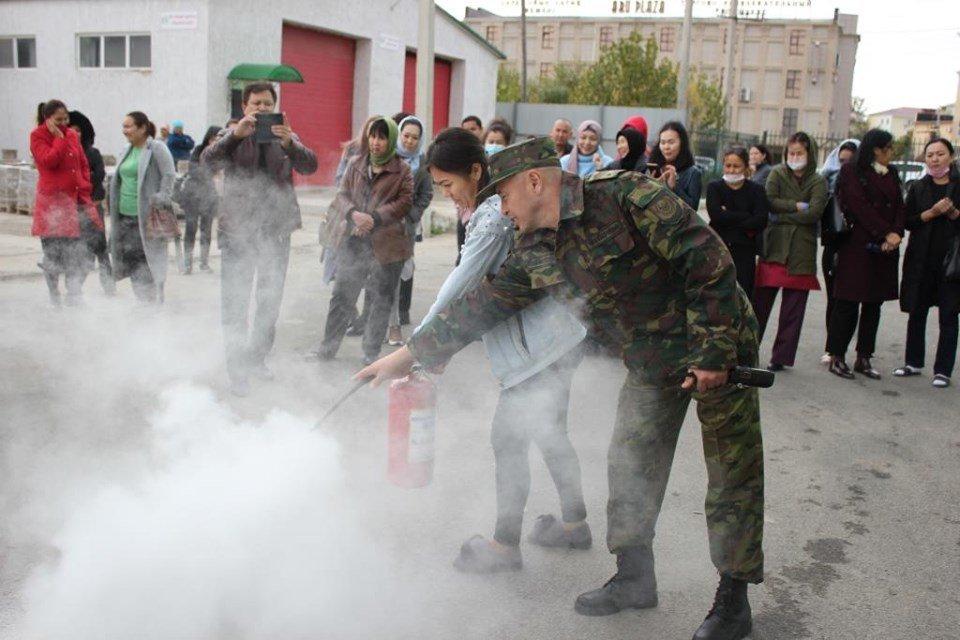 Пожарные Атырау провели учения в торговом центре (фото), фото-8