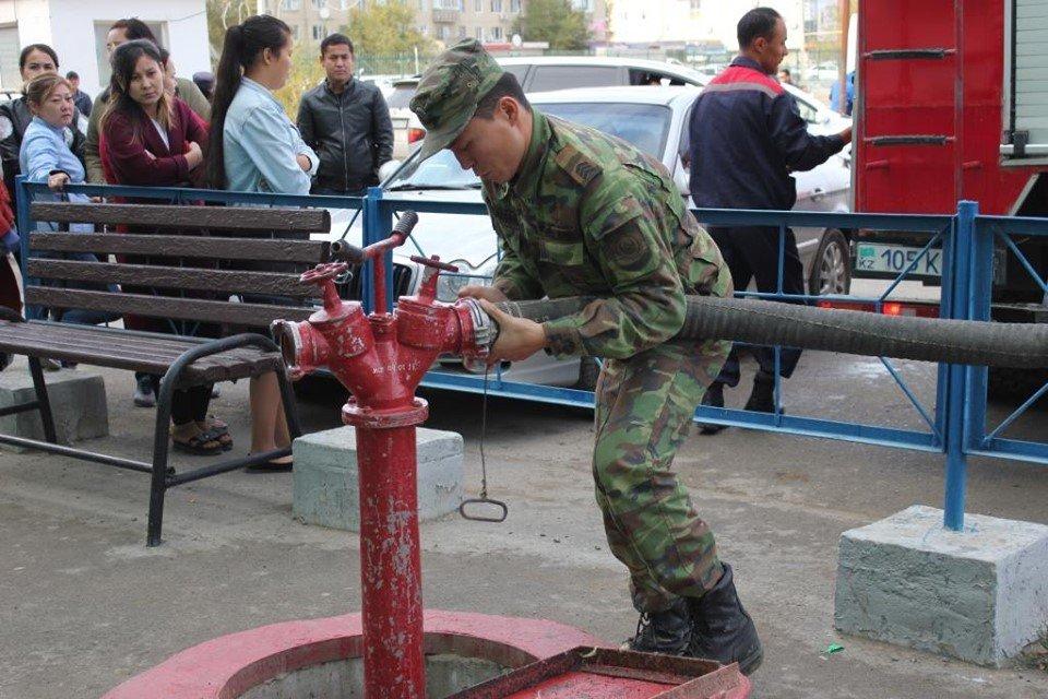 Пожарные Атырау провели учения в торговом центре (фото), фото-4