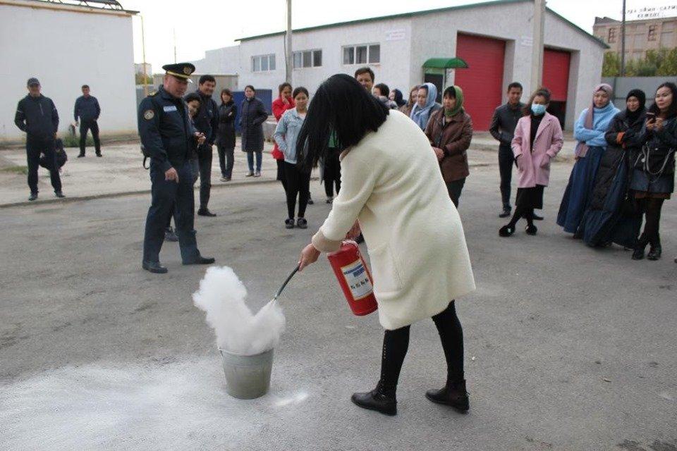 Пожарные Атырау провели учения в торговом центре (фото), фото-9