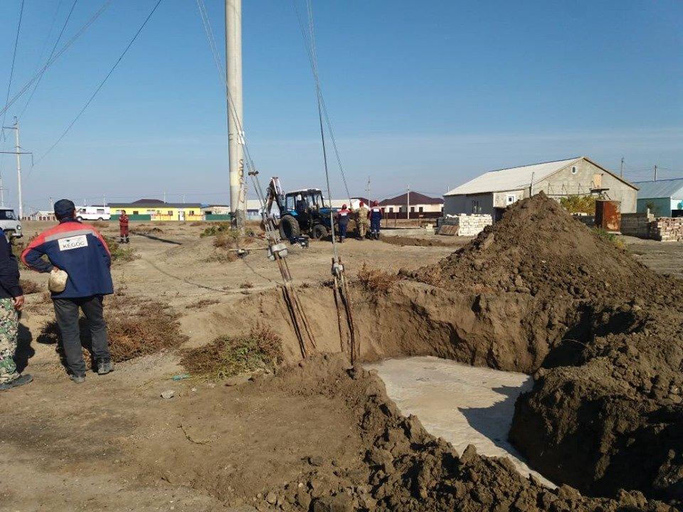 Водопровод повредили в Атырауской области (фото), фото-2