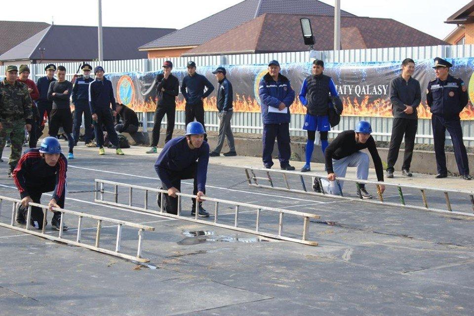 Соревнования пожарных прошли в Атырау (фото), фото-6