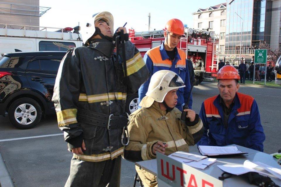 В Атырау пожарные «тушили» гостиницу (фото), фото-12