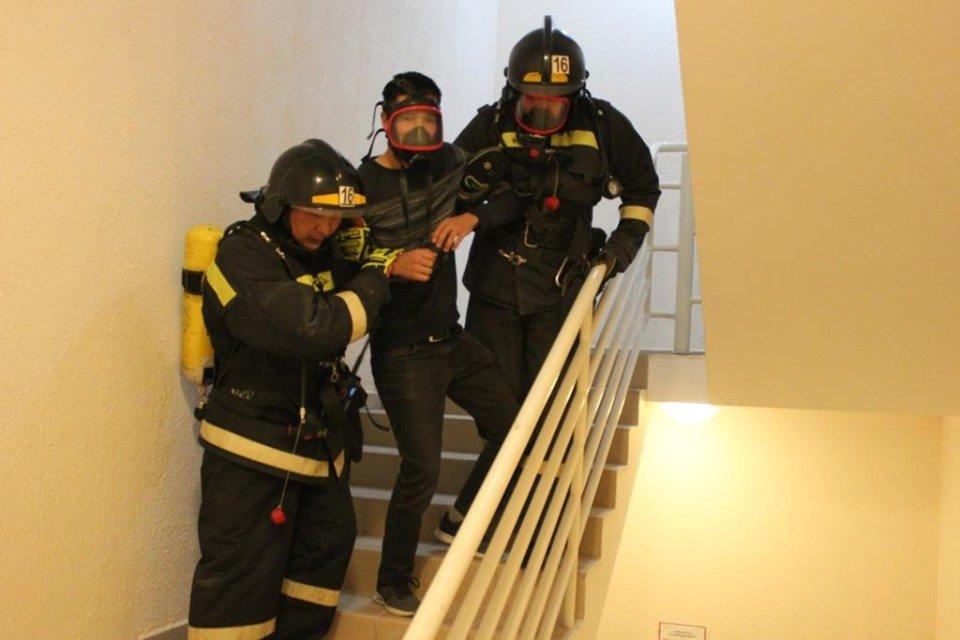 В Атырау пожарные «тушили» гостиницу (фото), фото-9