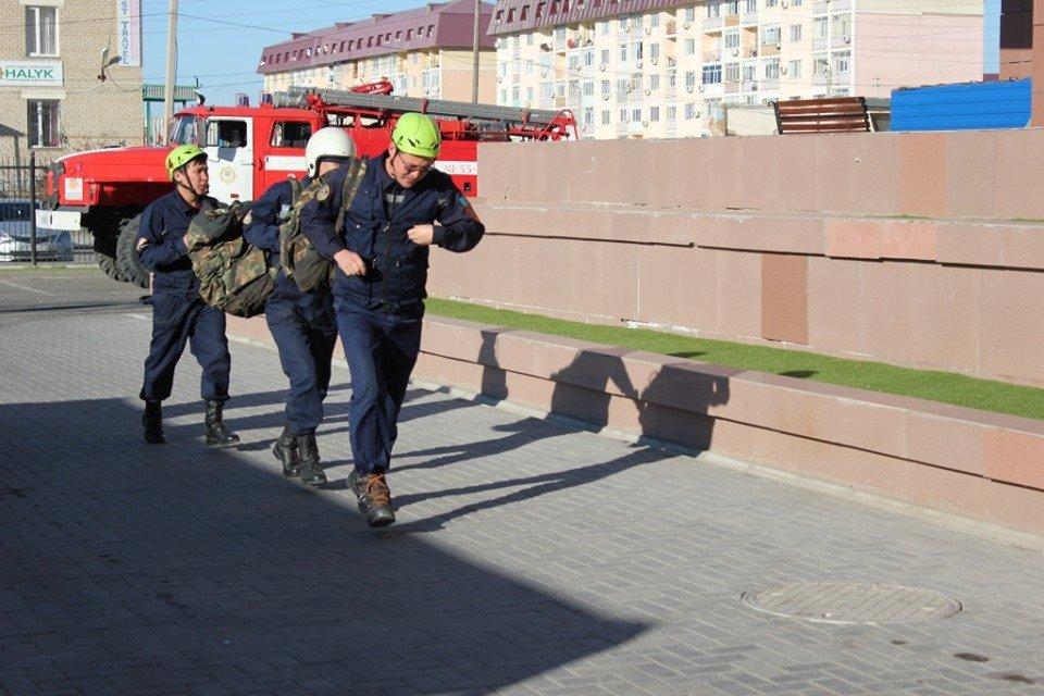 В Атырау пожарные «тушили» гостиницу (фото), фото-2