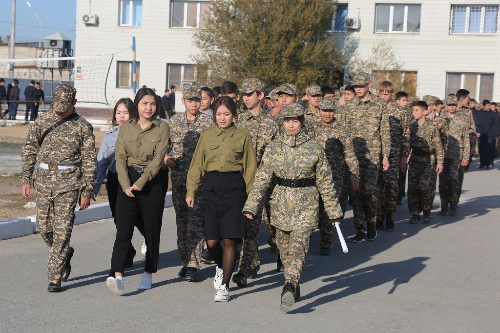 Атырауские военные показали подросткам армию (фото), фото-2