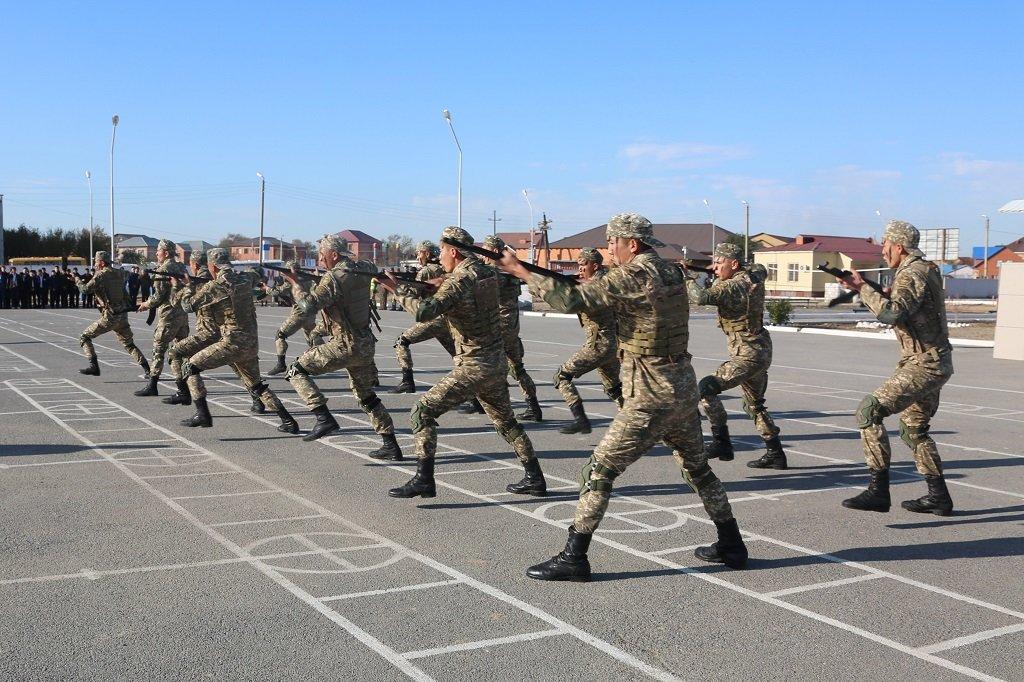 Атырауские военные показали подросткам армию (фото), фото-6