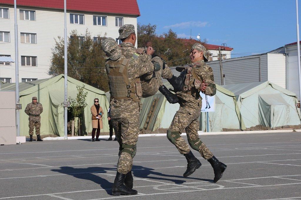 Атырауские военные показали подросткам армию (фото), фото-8