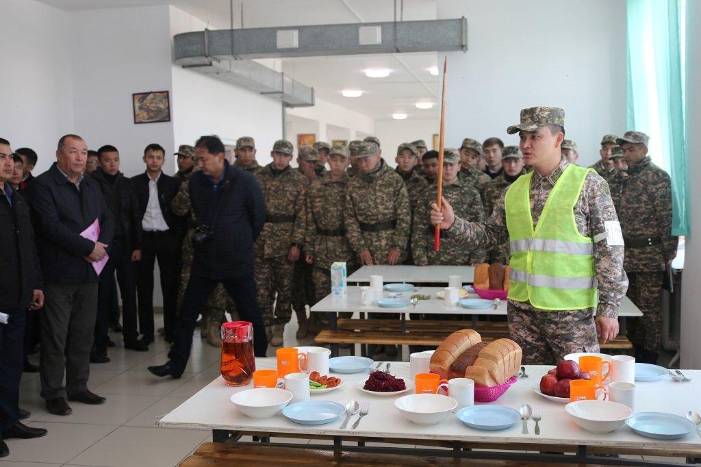 Атырауские военные показали подросткам армию (фото), фото-9