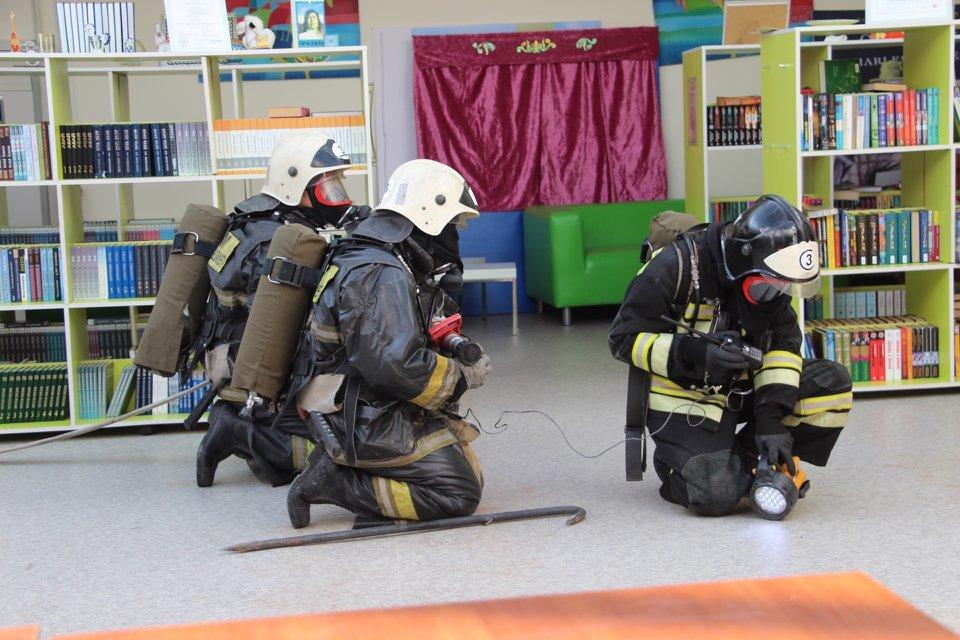 Пожарные Атырау провели учения в НИШ (фото), фото-14