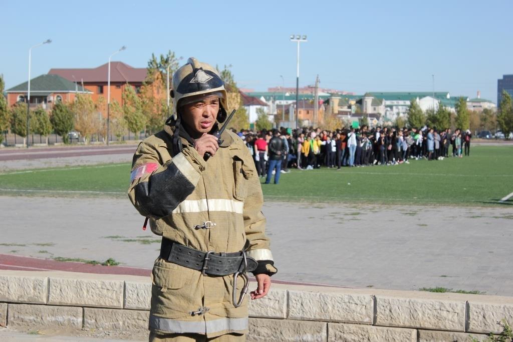 Пожарные Атырау провели учения в НИШ (фото), фото-2