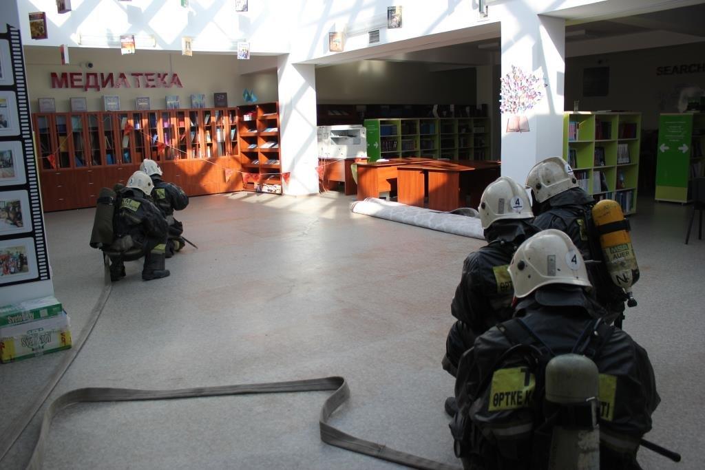 Пожарные Атырау провели учения в НИШ (фото), фото-1