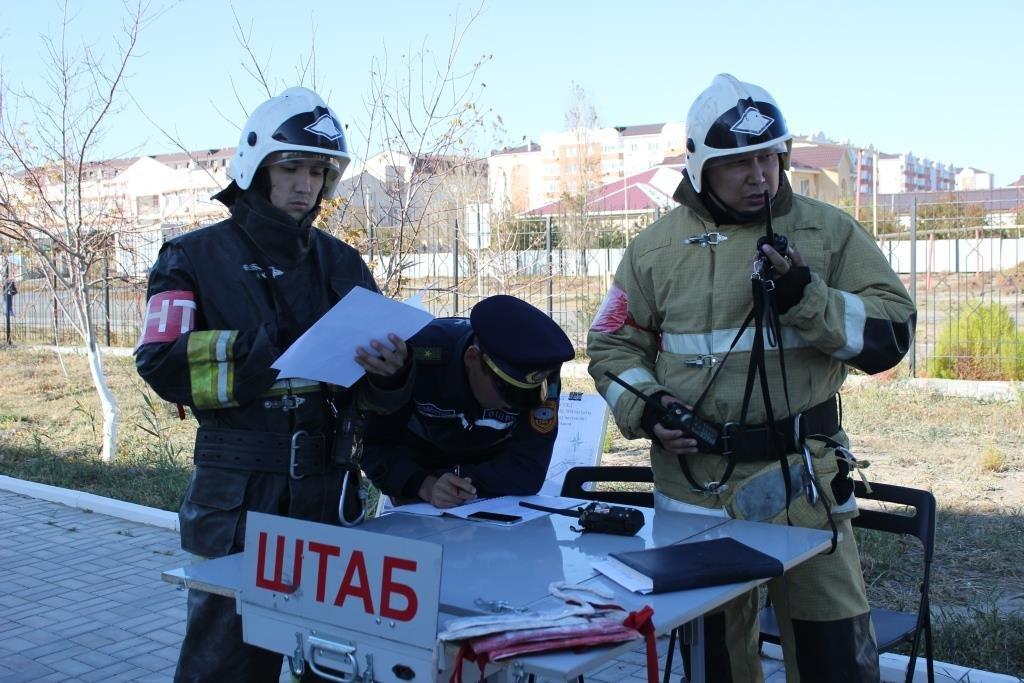 Пожарные Атырау провели учения в НИШ (фото), фото-10