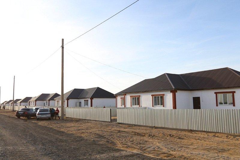 В Атырау 32 многодетные семьи получили ключи от новых домов, фото-2