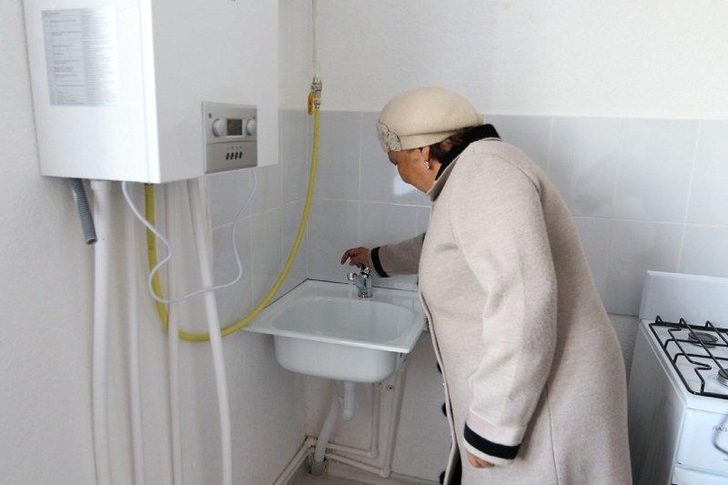 В Атырау 32 многодетные семьи получили ключи от новых домов, фото-1