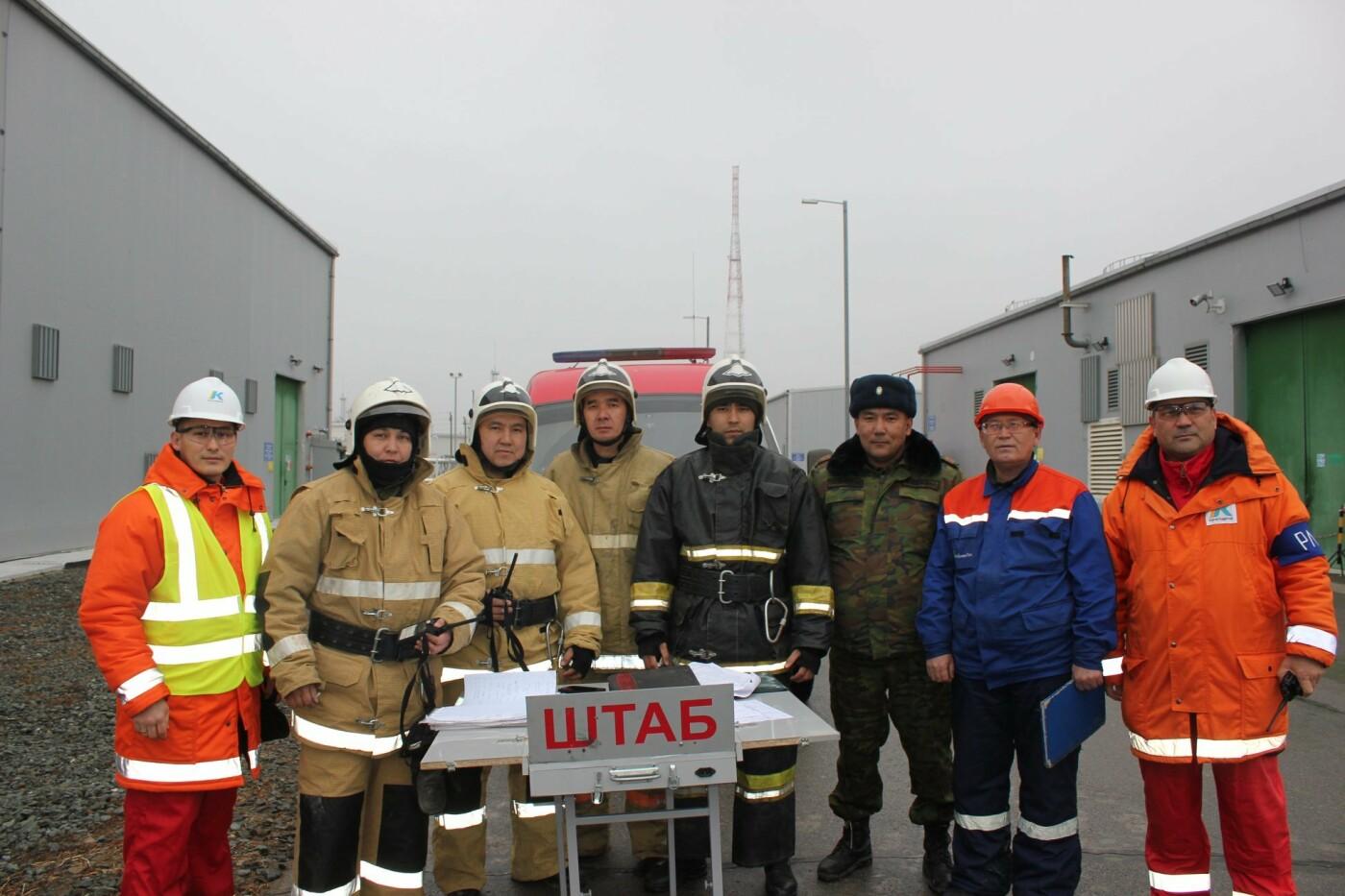 Пожарные учения на нефтяном хранилище прошли в Атырауской области (фото), фото-17