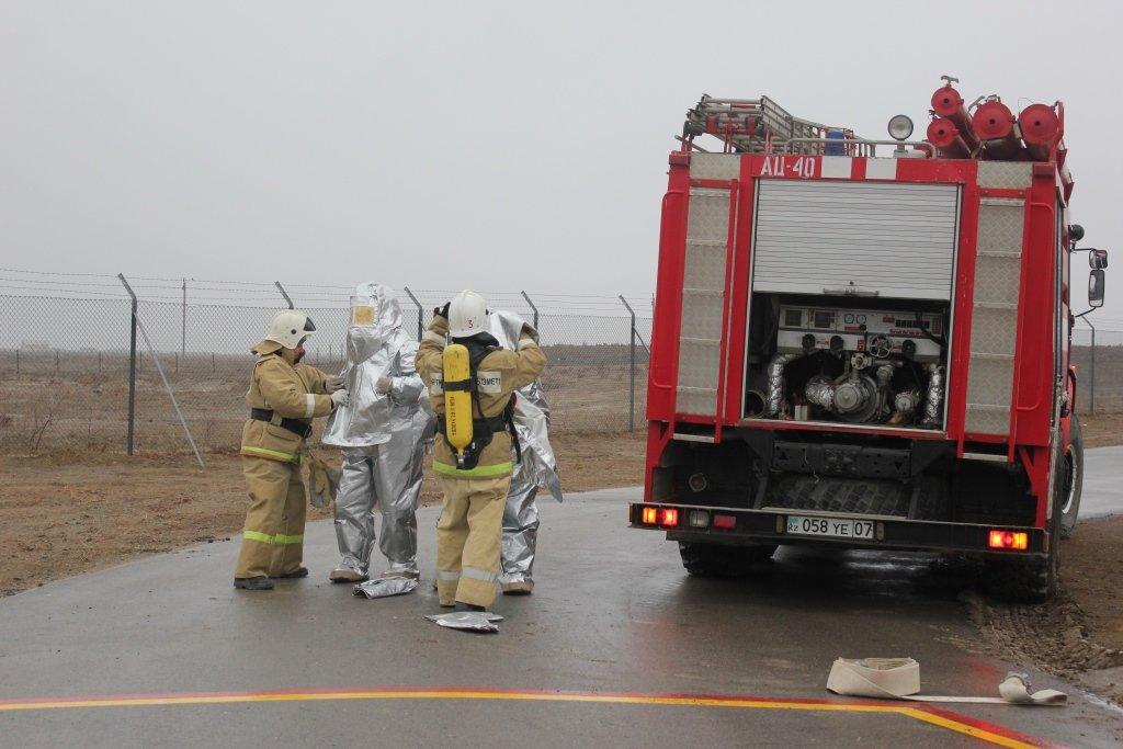 Пожарные учения на нефтяном хранилище прошли в Атырауской области (фото), фото-5