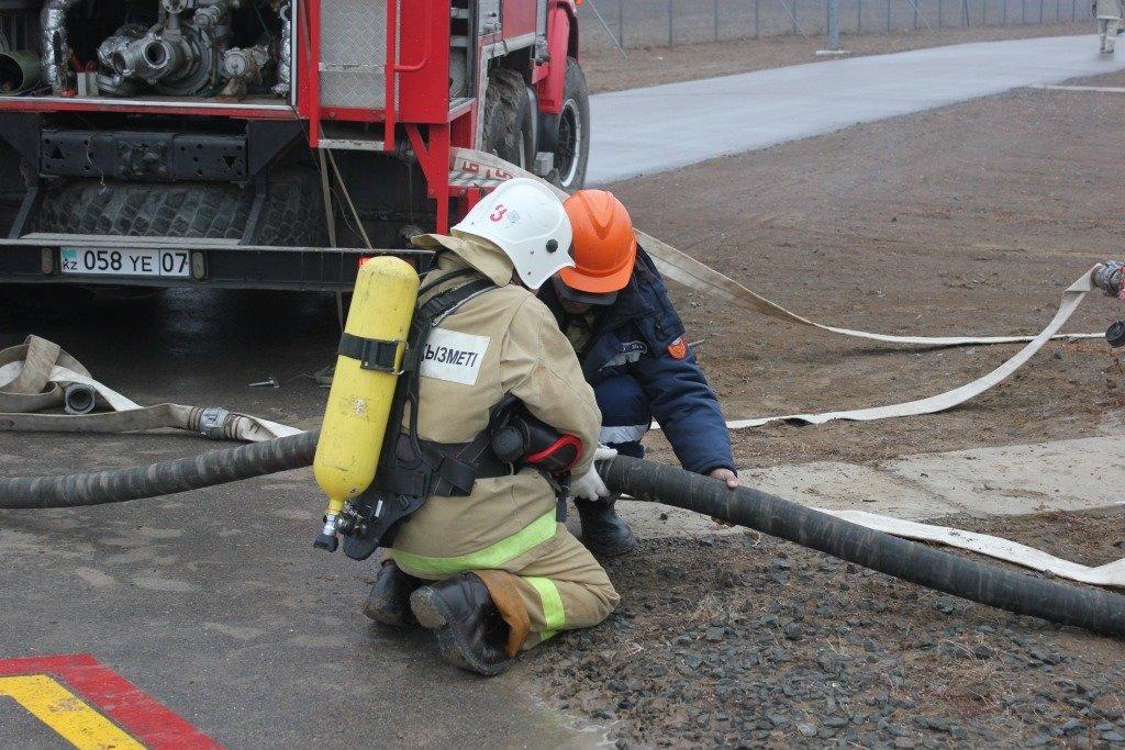 Пожарные учения на нефтяном хранилище прошли в Атырауской области (фото), фото-10