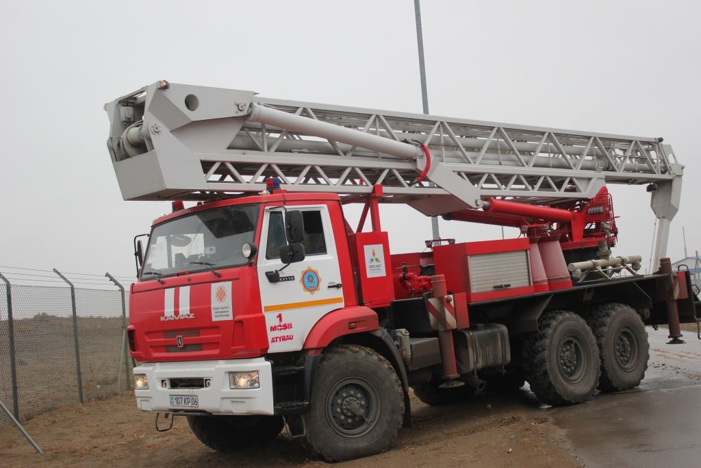 Пожарные учения на нефтяном хранилище прошли в Атырауской области (фото), фото-11