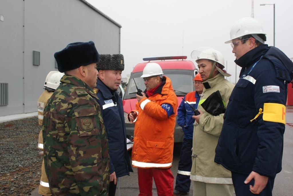 Пожарные учения на нефтяном хранилище прошли в Атырауской области (фото), фото-16