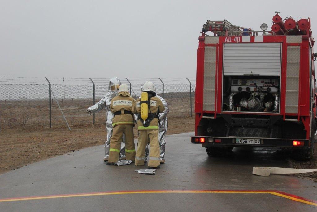 Пожарные учения на нефтяном хранилище прошли в Атырауской области (фото), фото-7
