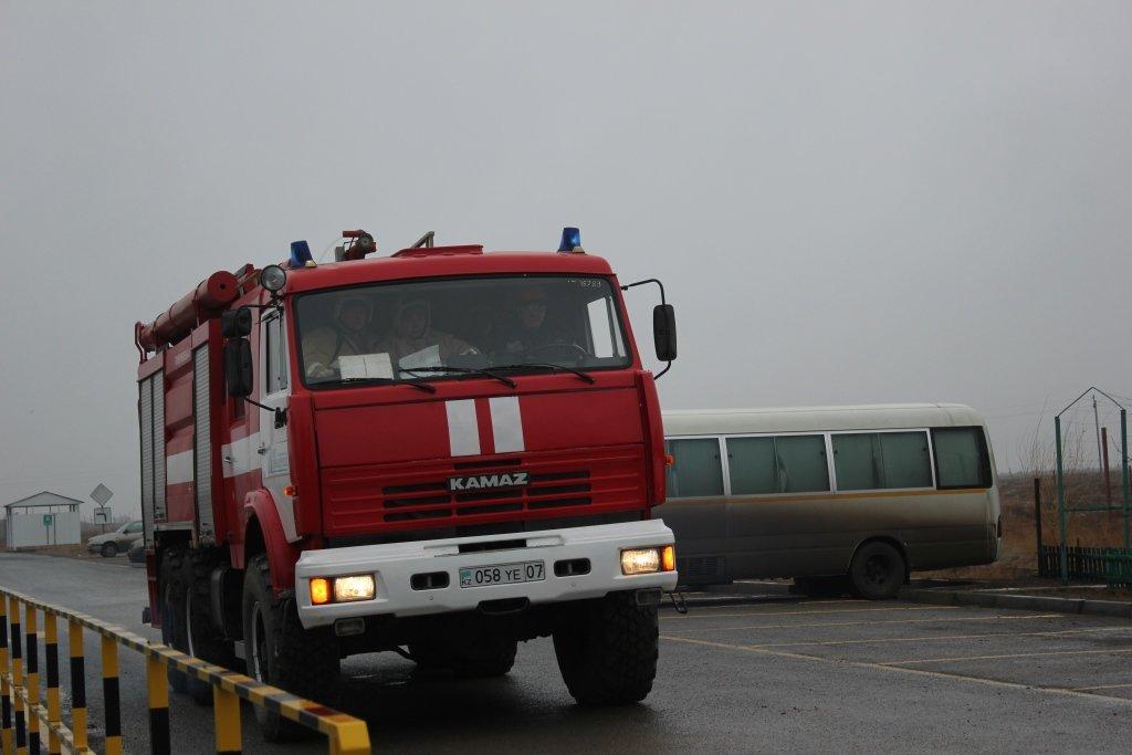 Пожарные учения на нефтяном хранилище прошли в Атырауской области (фото), фото-2