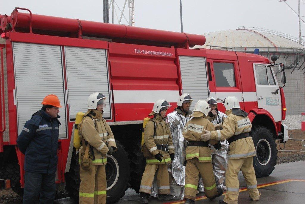 Пожарные учения на нефтяном хранилище прошли в Атырауской области (фото), фото-3