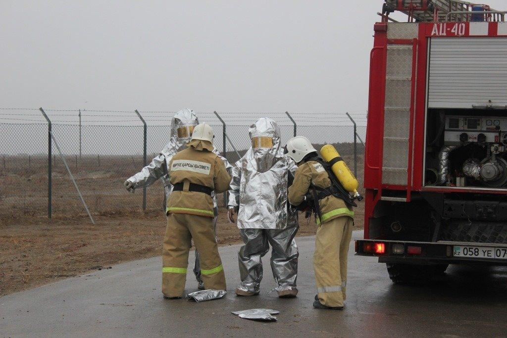 Пожарные учения на нефтяном хранилище прошли в Атырауской области (фото), фото-8