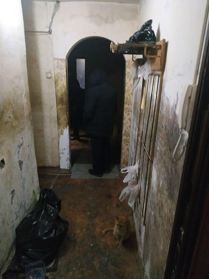 В Атырау заварили дверь квартиры-наркопритона, фото-1